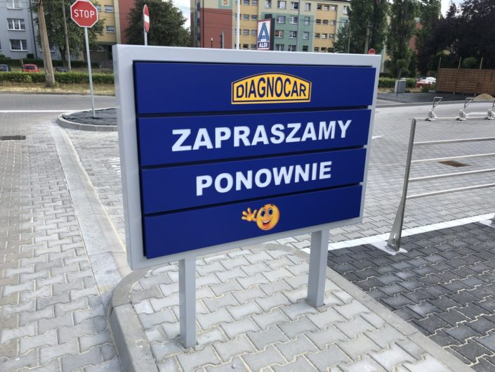Pylony / witacze