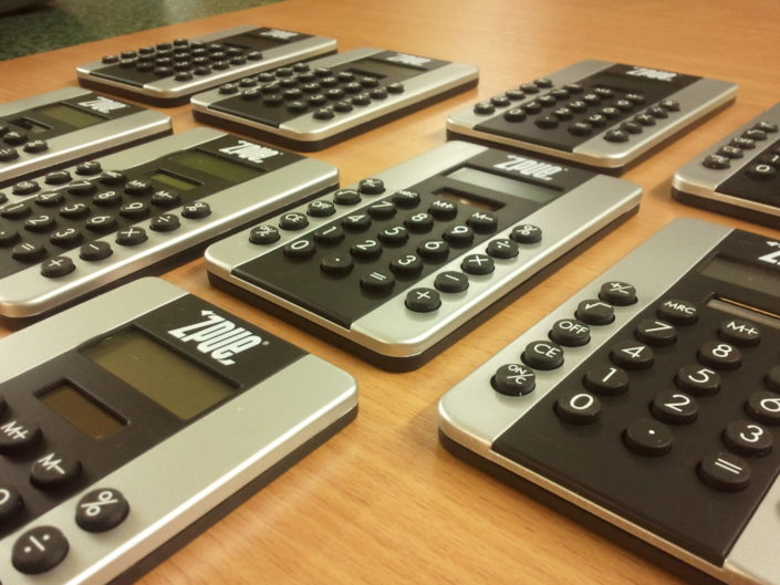 kalkulator z logo